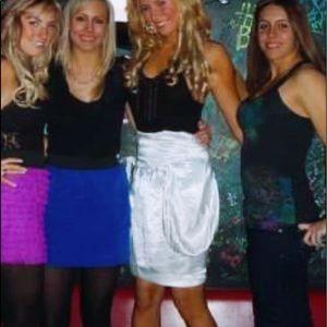 RARE Tucci Ivory silky knee length skirt